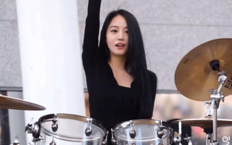 心跳漏半拍!韓國「最美鼓手」美到令人屏息 網友:這是戀愛的感覺